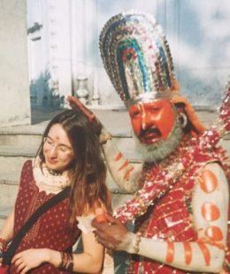 Large image of Deborah Bagg receiving spiritual blessings from Hanuman Sadhu in South Africa